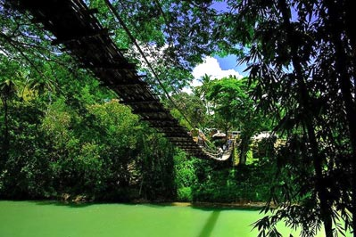 The-Hanging-Bridge-in-Seville-Bohol - Sevilla hanging bridge - Philippine Photo Gallery