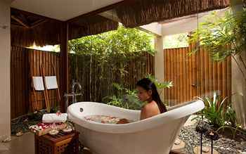 Eskaya-Beach-Resort-bathroom