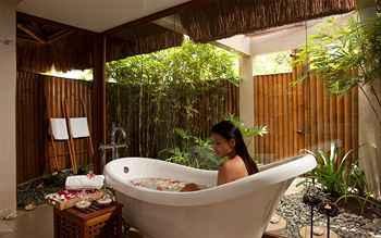 Eskaya-Beach-Resort-bathroom